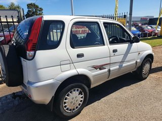 2004 Daihatsu Terios J102 DX White 5 Speed Manual Wagon.