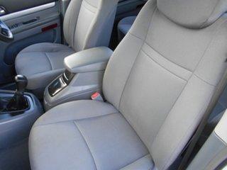 2012 Ssangyong Stavic A100 MY08 White 5 Speed Manual Wagon