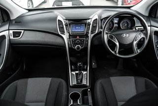 2013 Hyundai i30 GD Active White 6 Speed Sports Automatic Hatchback.