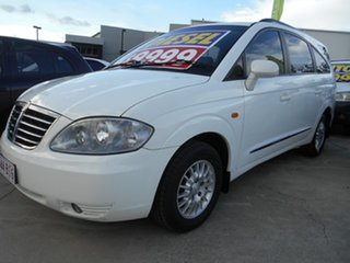 2012 Ssangyong Stavic A100 MY08 White 5 Speed Manual Wagon.