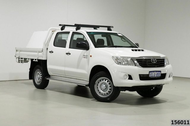 Used Toyota Hilux KUN26R MY14 SR (4x4) Bentley, 2014 Toyota Hilux KUN26R MY14 SR (4x4) White 5 Speed Manual Dual Cab Chassis