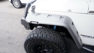 2007 Jeep Wrangler JK Unlimited Rubicon White 4 Speed Automatic Softtop