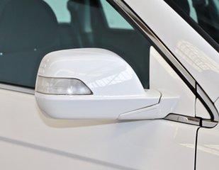 2011 Honda CR-V RE MY2010 4WD White 6 Speed Manual Wagon