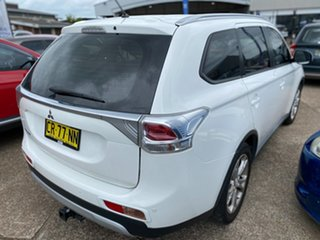 2013 Mitsubishi Outlander ZJ MY14 ES 4WD White 6 Speed Constant Variable Wagon
