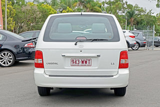 2005 Kia Carnival MY04 LS White 5 Speed Manual Wagon