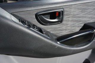 2010 Hyundai iLOAD TQ-V Crew Cab White 5 Speed Sports Automatic Van