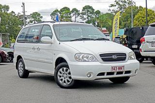 2005 Kia Carnival MY04 LS White 5 Speed Manual Wagon.