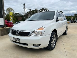 2014 Kia Carnival SLi White Sports Automatic Wagon.