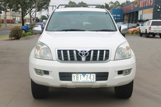 2006 Toyota Landcruiser Prado GRJ120R MY07 GXL (4x4) White 6 Speed Manual Wagon.