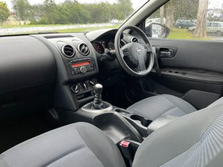 2010 Nissan Dualis J10 MY2009 ST Hatch White 6 Speed Manual Hatchback