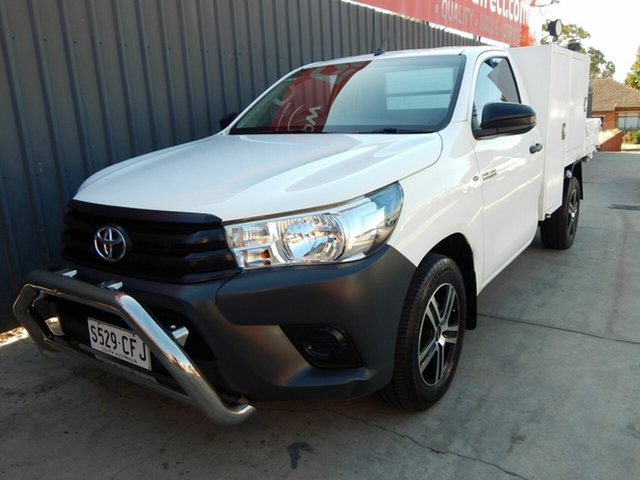 Used Toyota Hilux GUN122R Workmate 4x2 Blair Athol, 2017 Toyota Hilux GUN122R Workmate 4x2 White 5 Speed Manual Cab Chassis