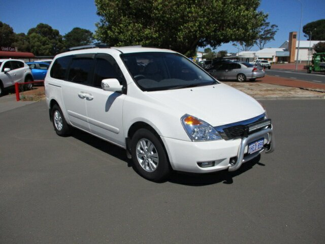 Used Kia Carnival YP MY15 SI Katanning, 2014 Kia Carnival YP MY15 SI White 6 Speed Automatic Van