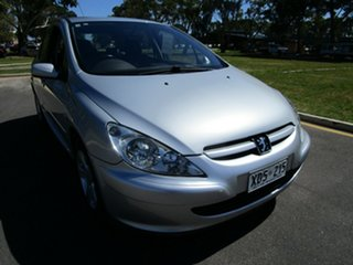 2004 Peugeot 307 XSR Silver 5 Speed Manual Hatchback.