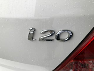 2012 Hyundai i20 PB MY13 Active White 6 Speed Manual Hatchback