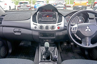 2014 Mitsubishi Triton MN MY15 GLX-R Double Cab White 5 Speed Manual Utility