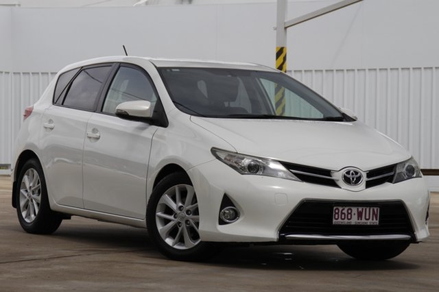 Used Toyota Corolla ZRE182R Ascent Sport S-CVT Bundamba, 2014 Toyota Corolla ZRE182R Ascent Sport S-CVT White 7 Speed Constant Variable Hatchback