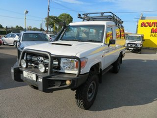 2009 Toyota Landcruiser VDJ78R Workmate (4x4) 11 Seat White 5 Speed Manual TroopCarrier.