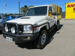 2007 Toyota Landcruiser VDJ79R Workmate (4x4) White 5 Speed Manual Cab Chassis.