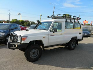 2009 Toyota Landcruiser VDJ78R Workmate (4x4) 11 Seat White 5 Speed Manual TroopCarrier
