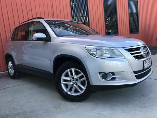 Used Volkswagen Tiguan 5N MY11 125TSI 4MOTION Molendinar, 2011 Volkswagen Tiguan 5N MY11 125TSI 4MOTION Silver 6 Speed Manual Wagon