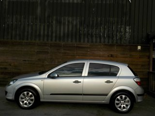 2006 Holden Astra AH MY06 CD Equipe Silver 5 Speed Manual Hatchback