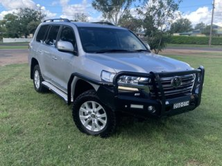 2017 Toyota Landcruiser VDJ200R Sahara Silver Pearl 6 Speed Sports Automatic Wagon.