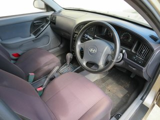 2004 Hyundai Elantra Gold 4 Speed Automatic Hatchback
