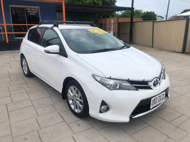 Used Toyota Corolla ZRE182R Ascent Sport Mundingburra, 2014 Toyota Corolla ZRE182R Ascent Sport White 6 Speed Manual Hatchback