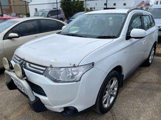 2013 Mitsubishi Outlander ZJ MY13 ES 4WD White 6 Speed Constant Variable Wagon.