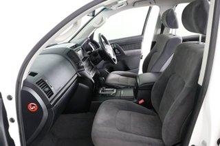 2013 Toyota Landcruiser VDJ200R MY13 GXL (4x4) White 6 Speed Automatic Wagon