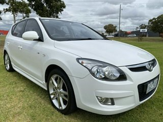 2010 Hyundai i30 FD MY11 SR White 5 Speed Manual Hatchback.