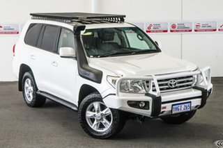 2011 Toyota Landcruiser VDJ200R 09 Upgrade Sahara (4x4) Crystal Pearl 6 Speed Automatic Wagon.