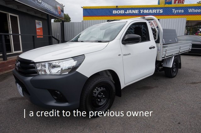 Used Toyota Hilux TGN121R Workmate 4x2 Dandenong, 2016 Toyota Hilux TGN121R Workmate 4x2 Glacier White 5 Speed Manual Cab Chassis