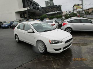 2010 Mitsubishi Lancer CJ MY11 SX Sportback White 5 Speed Manual Hatchback.