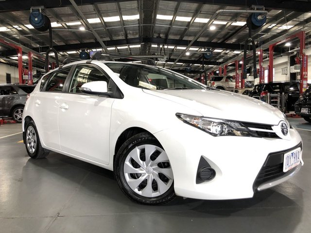 Pre-Owned Toyota Corolla ZRE182R Ascent Oakleigh, 2014 Toyota Corolla ZRE182R Ascent Glacier White 7 Speed CVT Auto Sequential Hatchback