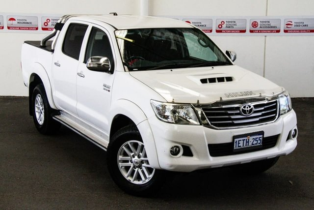 Pre-Owned Toyota Hilux KUN26R MY14 SR5 (4x4) Rockingham, 2015 Toyota Hilux KUN26R MY14 SR5 (4x4) Glacier White 5 Speed Automatic Dual Cab Pick-up