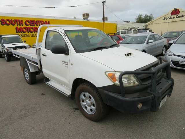 Used Toyota Hilux KUN26R 06 Upgrade SR (4x4) Morphett Vale, 2007 Toyota Hilux KUN26R 06 Upgrade SR (4x4) White 5 Speed Manual Cab Chassis
