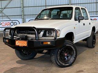 2004 Toyota Hilux KZN165R MY02 White 5 Speed Manual Utility.