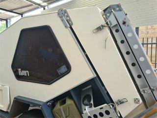 2001 TVAN TRACK TRAILER Camper Trailer