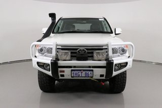 2014 Toyota Landcruiser VDJ200R MY13 Sahara (4x4) White 6 Speed Automatic Wagon.