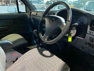 2004 Toyota Hilux KZN165R MY02 White 5 Speed Manual Utility