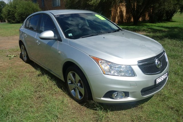Used Holden Cruze JH Series II MY14 Equipe East Maitland, 2014 Holden Cruze JH Series II MY14 Equipe Silver 6 Speed Sports Automatic Hatchback