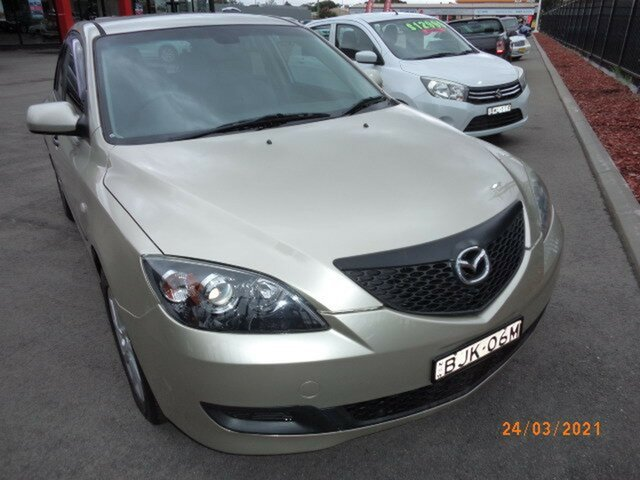 Used Mazda 3 BK Neo Wagga Wagga, 2004 Mazda 3 BK Neo Gold 4 Speed Auto Activematic Hatchback