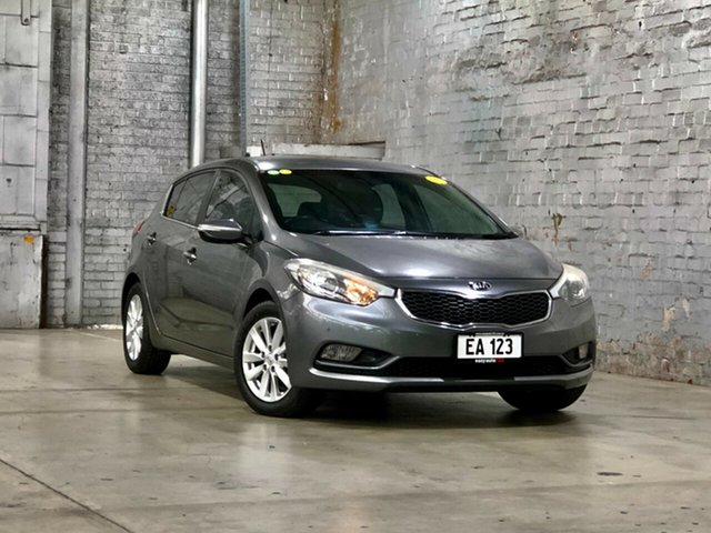Used Kia Cerato TD MY13 SI Mile End South, 2013 Kia Cerato TD MY13 SI Grey 6 Speed Manual Hatchback