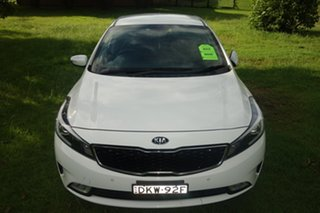 2016 Kia Cerato YD MY17 S White 6 Speed Sports Automatic Hatchback.