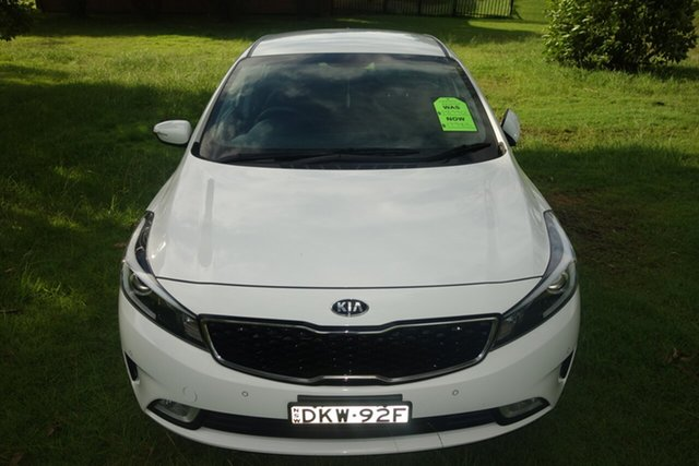Used Kia Cerato YD MY17 S East Maitland, 2016 Kia Cerato YD MY17 S White 6 Speed Sports Automatic Hatchback