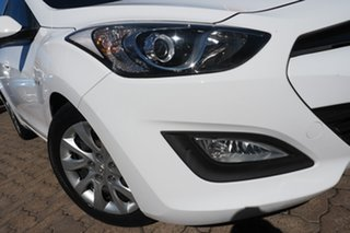 2013 Hyundai i30 GD MY14 Active White 6 Speed Manual Hatchback.