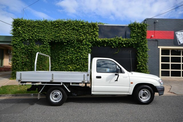Used Toyota Hilux RZN149R Blair Athol, 2003 Toyota Hilux RZN149R White 5 Speed Manual Cab Chassis