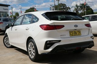2018 Kia Cerato BD MY19 S White 6 Speed Automatic Hatchback.