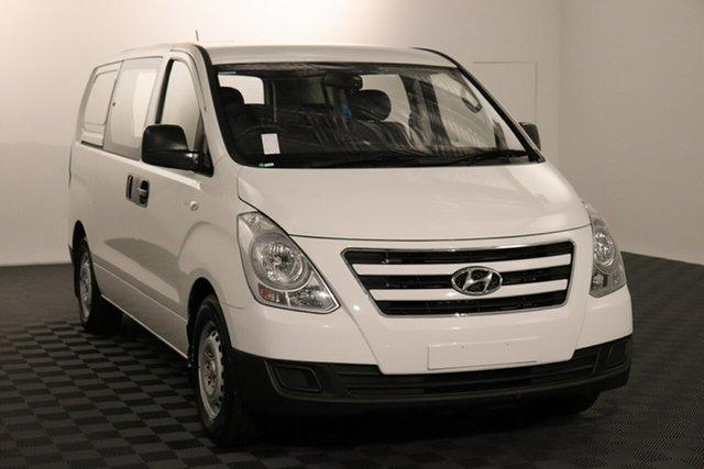 Used Hyundai iLOAD TQ3-V Series II MY17 Crew Cab Acacia Ridge, 2016 Hyundai iLOAD TQ3-V Series II MY17 Crew Cab White 5 speed Automatic Van